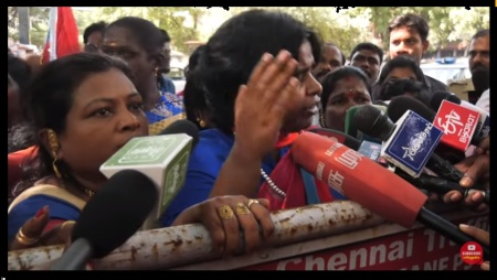 Gayathri house attacked by VCK women with dirty words-2